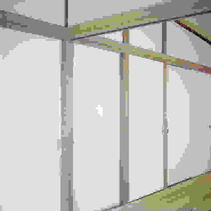 U-House オリジナルスタイルの 寝室 の AIDAHO Inc. オリジナル