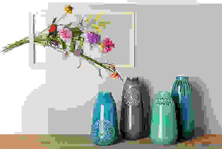 Vases by Douwe & Wiebren:  Woonkamer door ANNY&,