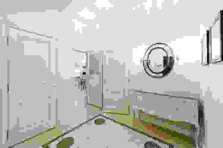 Холл Коридор, прихожая и лестница в классическом стиле от ELENA BELORYBKINA Классический
