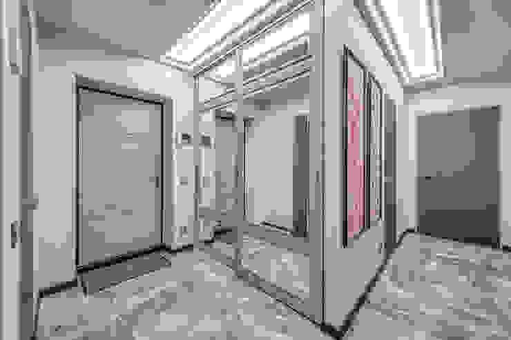 Квартира на Среднем проспекте Васильевского острова Коридор, прихожая и лестница в эклектичном стиле от Be In Art Эклектичный