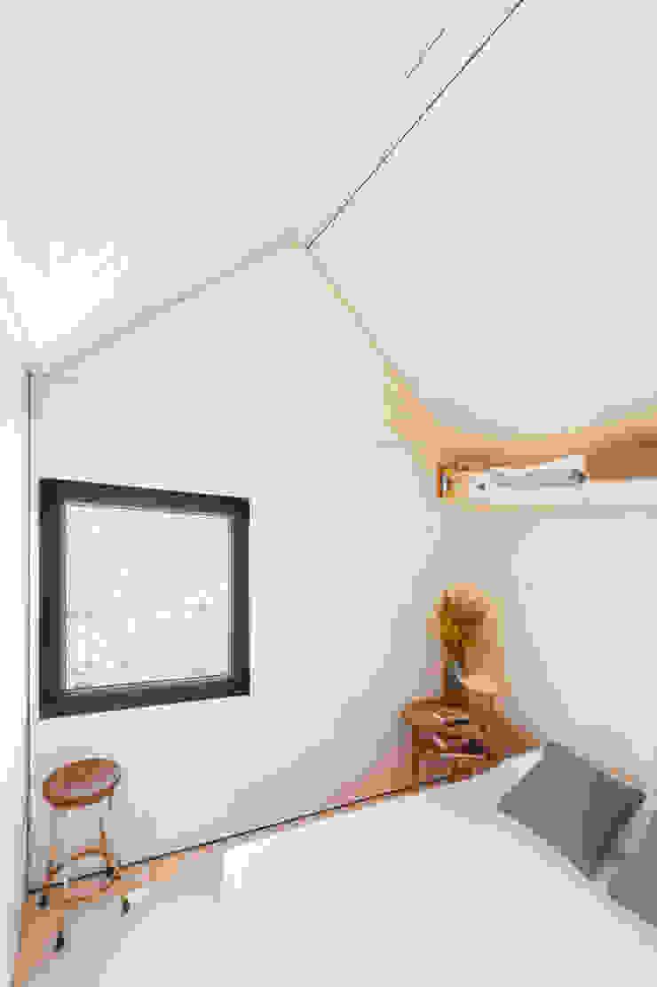 CASA TRANSPORTABLE ÁPH80 ÁBATON Arquitectura Dormitorios de estilo rústico