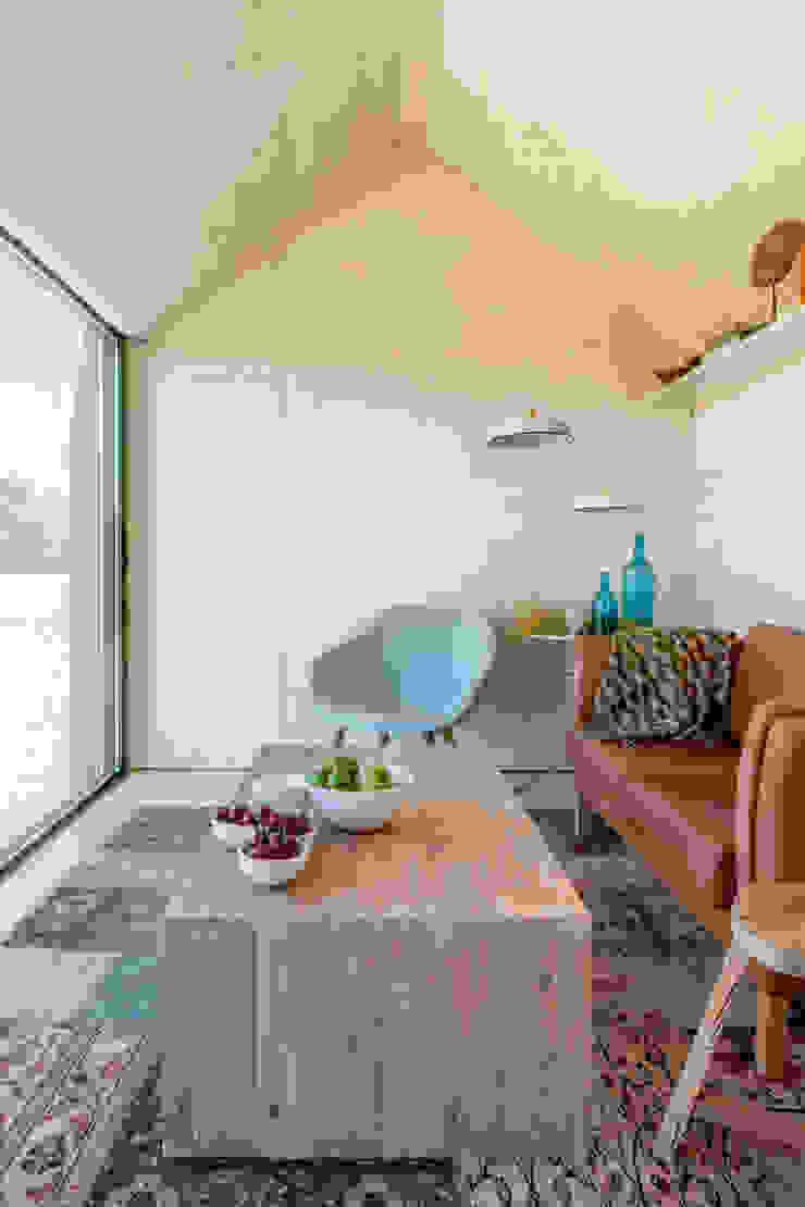 CASA TRANSPORTABLE ÁPH80 ÁBATON Arquitectura Salones rústicos de estilo rústico