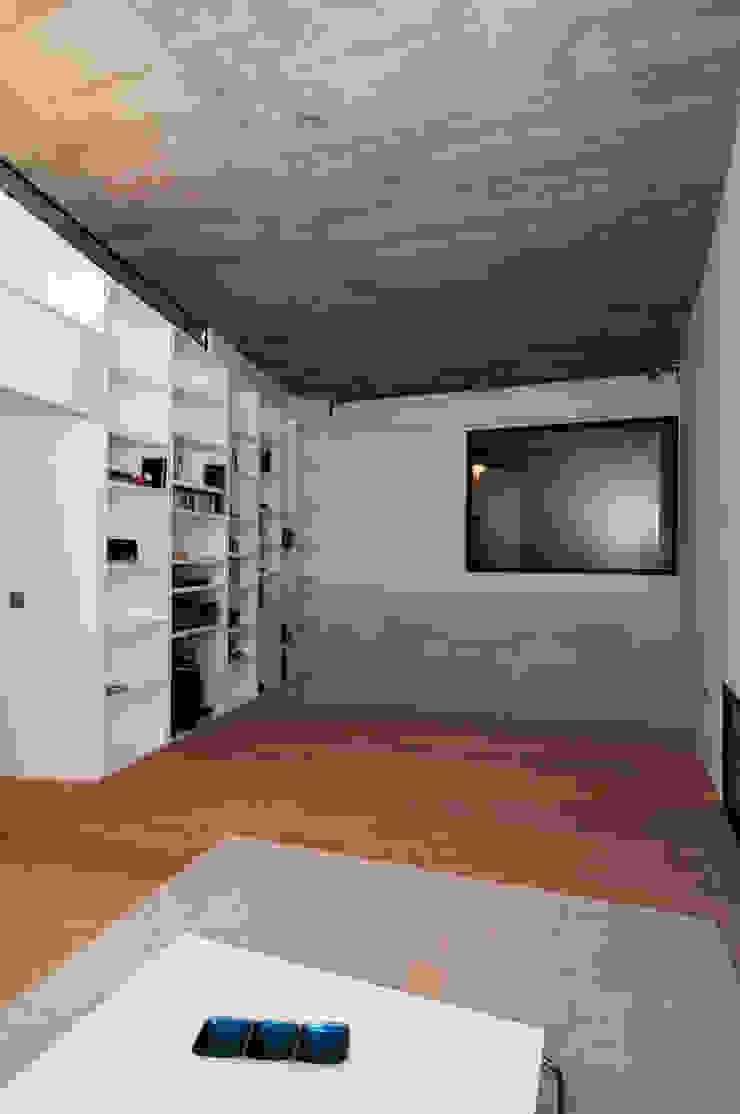 Vivienda Ortigal Bajo Salas multimedia de estilo minimalista de Alicia Toledo Minimalista