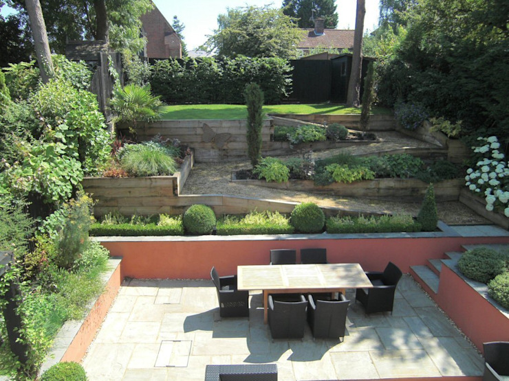 Contemporary Sloping Garden Design, Gerrards Cross Jardines de estilo moderno de Linsey Evans Garden Design Moderno