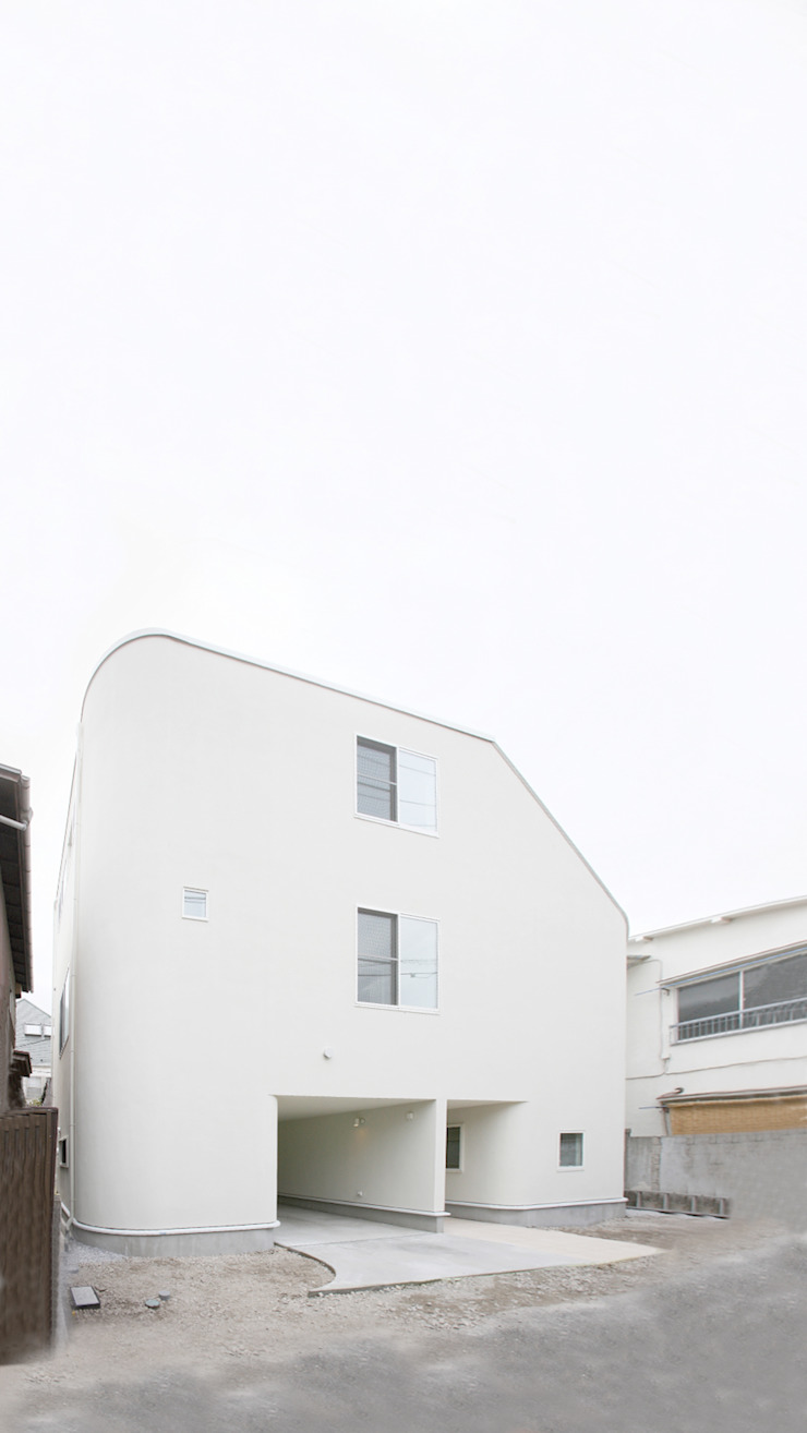 ​SLIDE HOUSE (House in Nakameguro) モダンな 家 の LEVEL Architects モダン