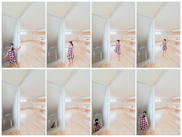 ​SLIDE HOUSE (House in Nakameguro) Ingresso, Corridoio & Scale in stile minimalista di LEVEL Architects Minimalista