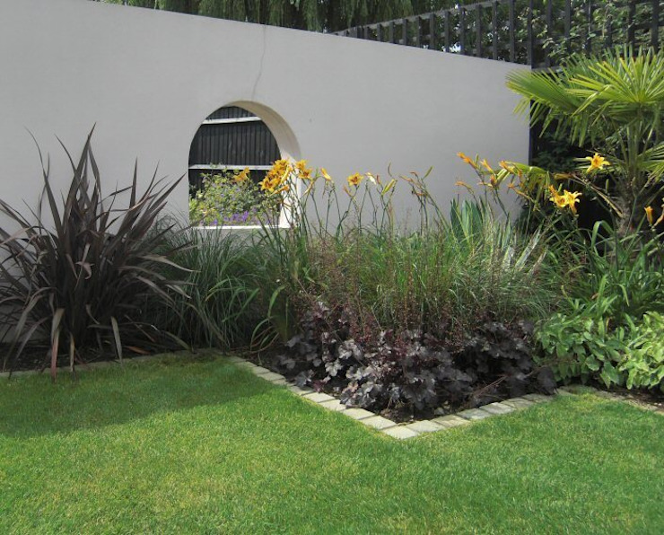 Contemporary Garden Design, Windsor, Berkshire Modern garden by Linsey Evans Garden Design Modern