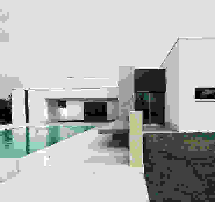Casa B. / Suzzara, Mantova Case in stile minimalista di STUDIO LONGHEU Minimalista