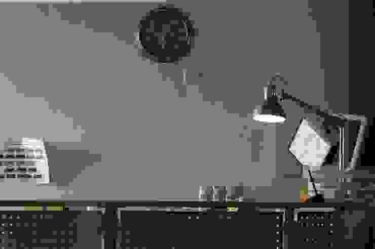 Лофт на территории Бадаевского завода от Мастерская Интерьеров Варвары Зеленецкой