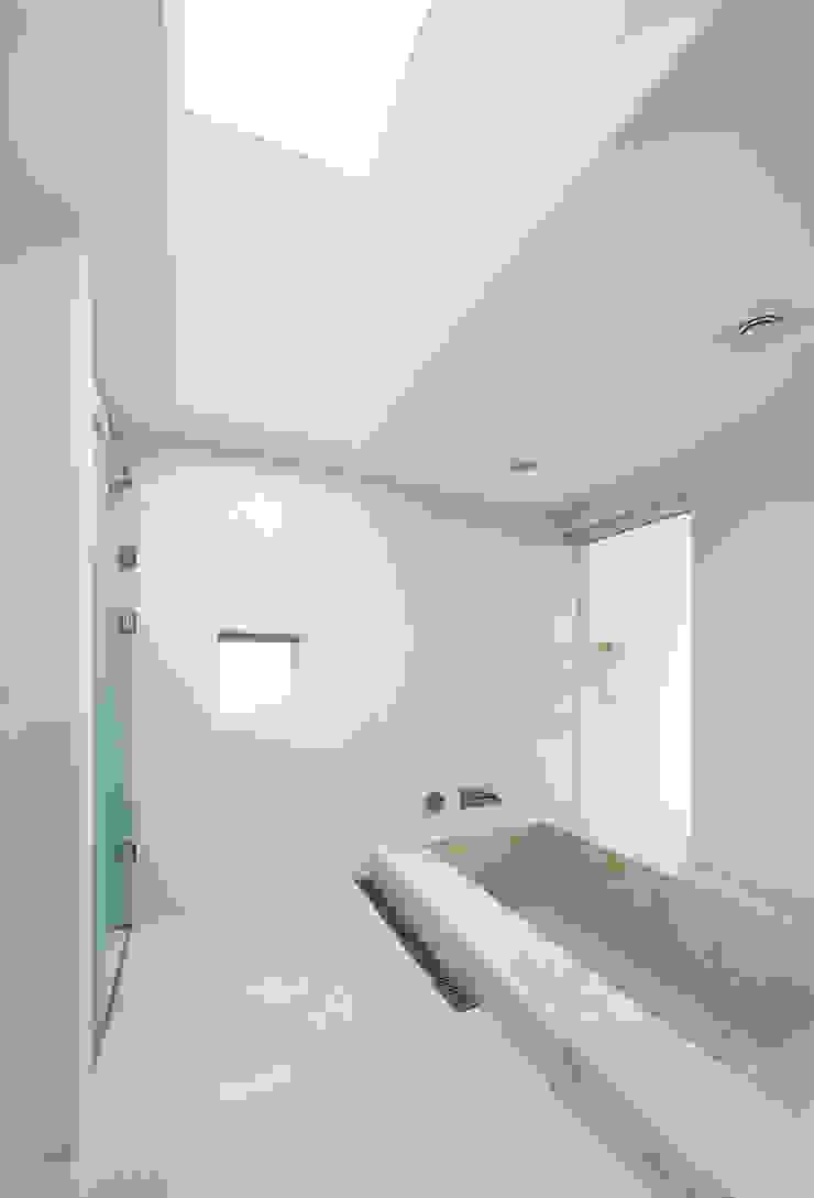 hyunjoonyoo architects Modern bathroom