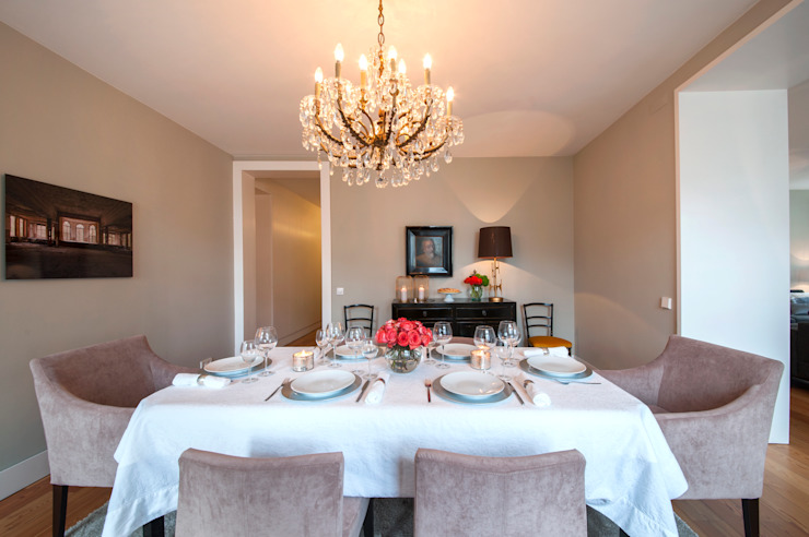 Classic style dining room by Staging Factory Classic