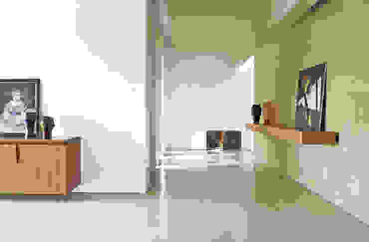 Casa B. / Suzzara, Mantova Soggiorno minimalista di STUDIO LONGHEU Minimalista