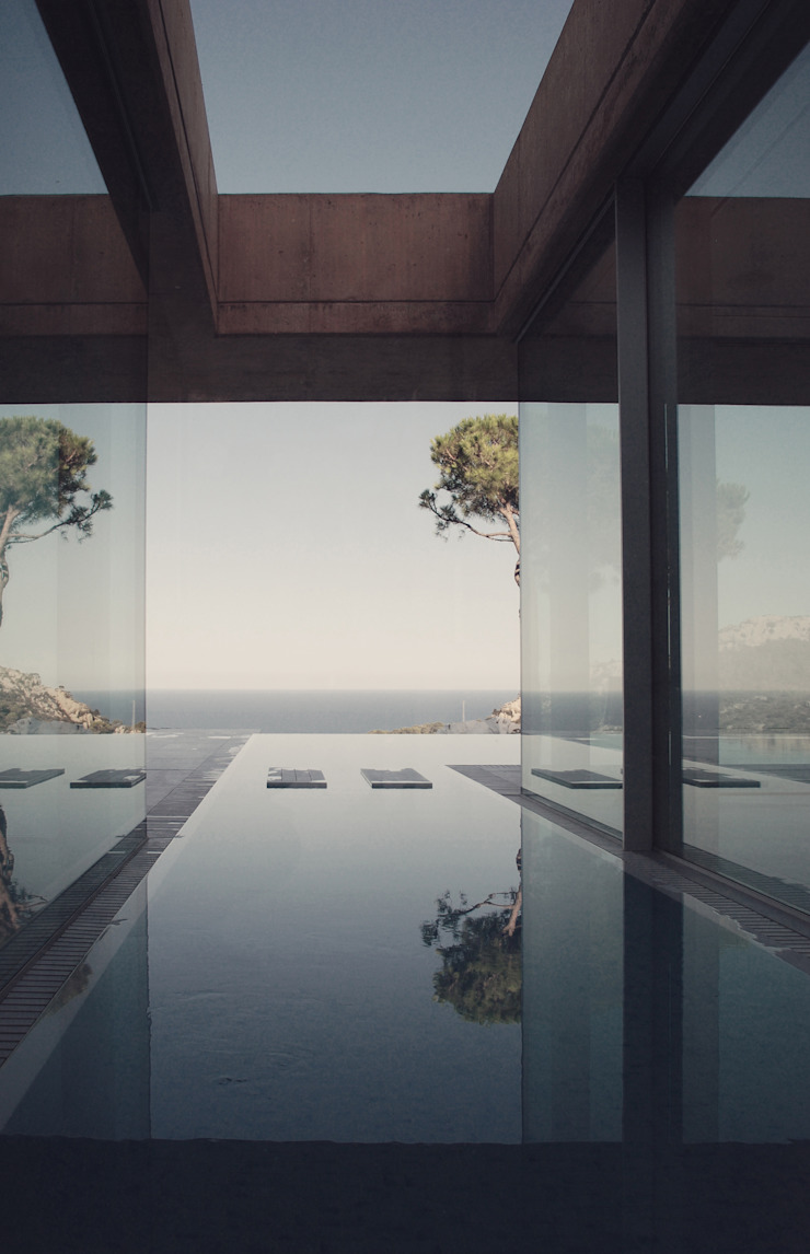 Rehabilitación de vivienda unifamiliar en la Costa Brava Piscinas de estilo minimalista de THK Construcciones Minimalista