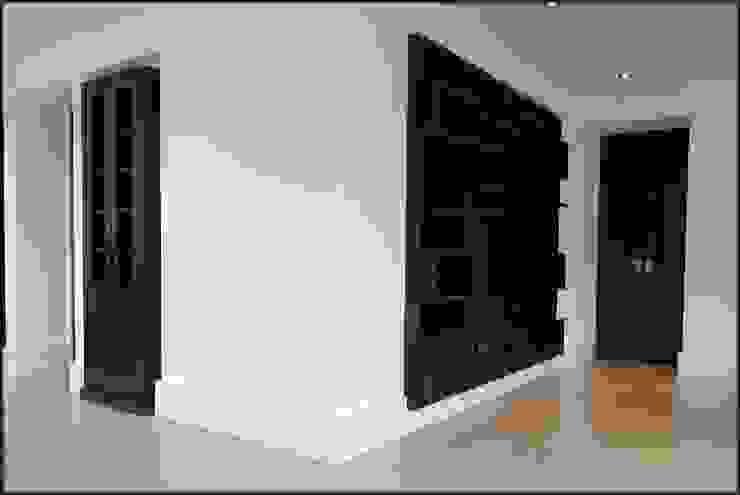 Kasten: modern  door Designed By David, Modern