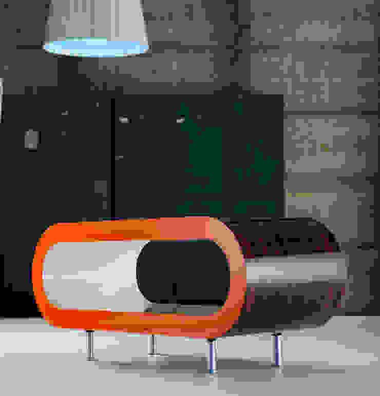 Hoop Coffee Table Zebrano Gloss Orange Gloss and Cream Gloss: minimalist  by Zespoke Design, Minimalist