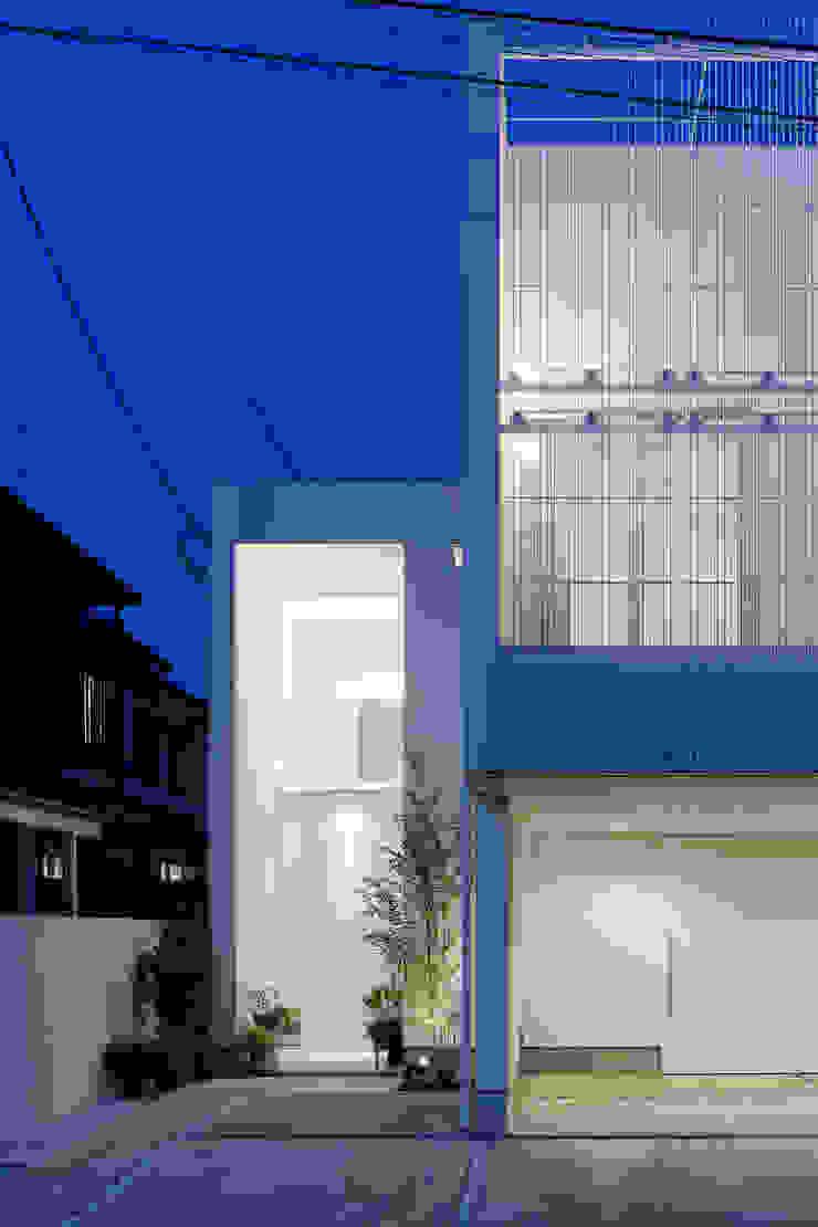 ODAWARA COURTYARD HOUSE モダンな 家 の AIDAHO Inc. モダン