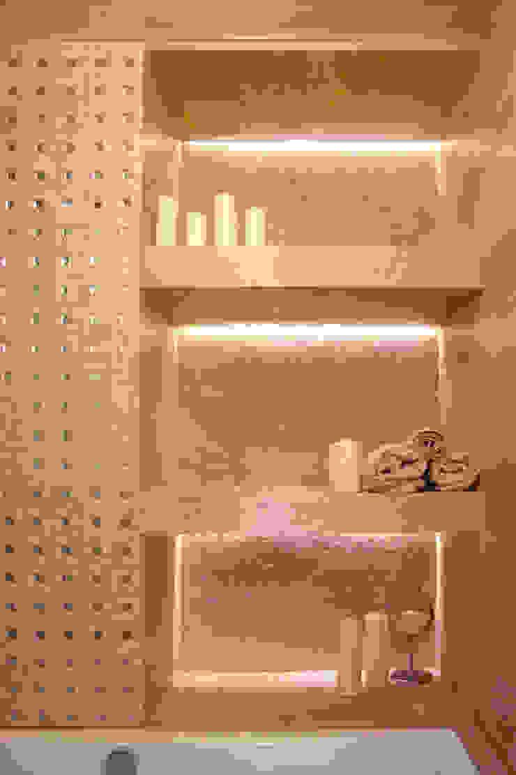 Minimalist style bathroom by Yana Ryabchenko Minimalist