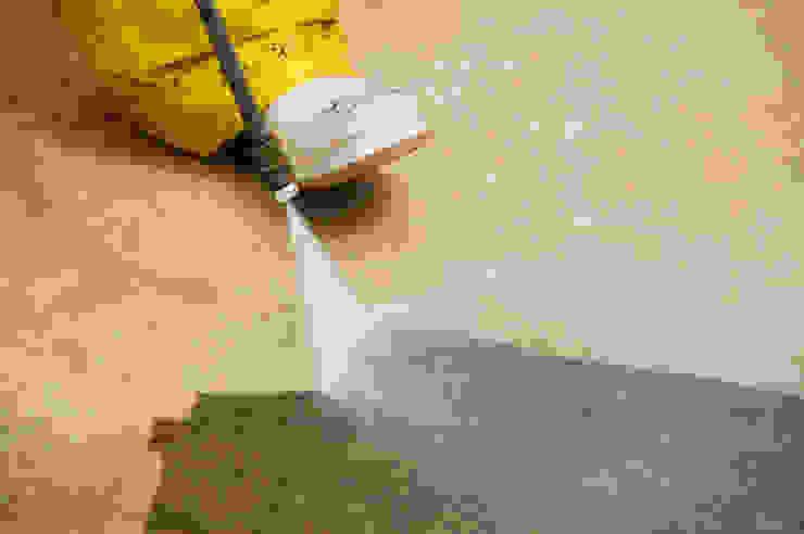 Puligaviota - Empresa de limpieza en Madrid Paredes y suelos de estilo moderno de Puligaviota - Empresa de limpieza Moderno