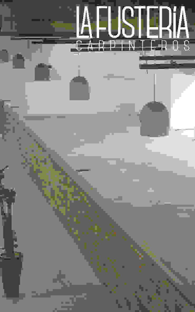 Remate de muro en Fórmica Gimnasios domésticos modernos de La Fustería - Carpinteros Moderno