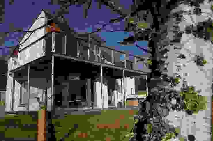 Midport Steading South West Corner Modern balcony, veranda & terrace by HRI Architects Ltd, Inverness, Scotland Modern