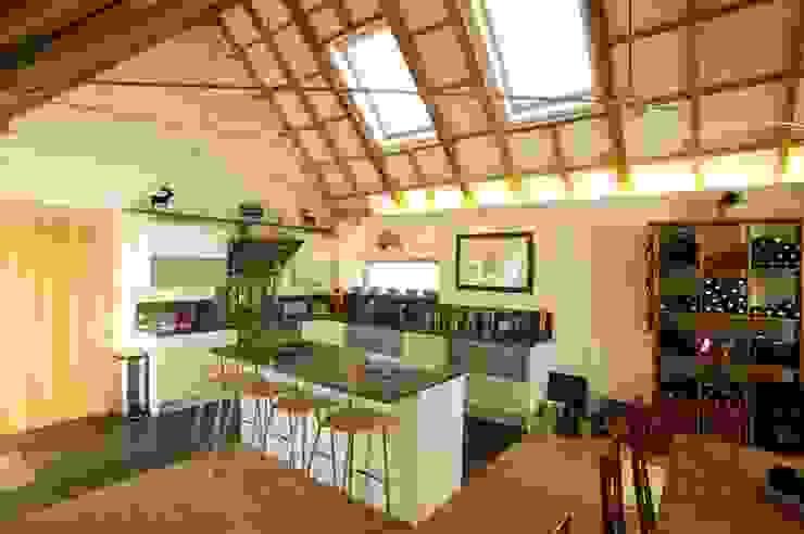 Midport Steading Kitchen Modern kitchen by HRI Architects Ltd, Inverness, Scotland Modern