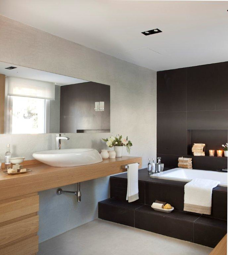20 m2 de baño Baños de estilo moderno de Disak Studio Moderno