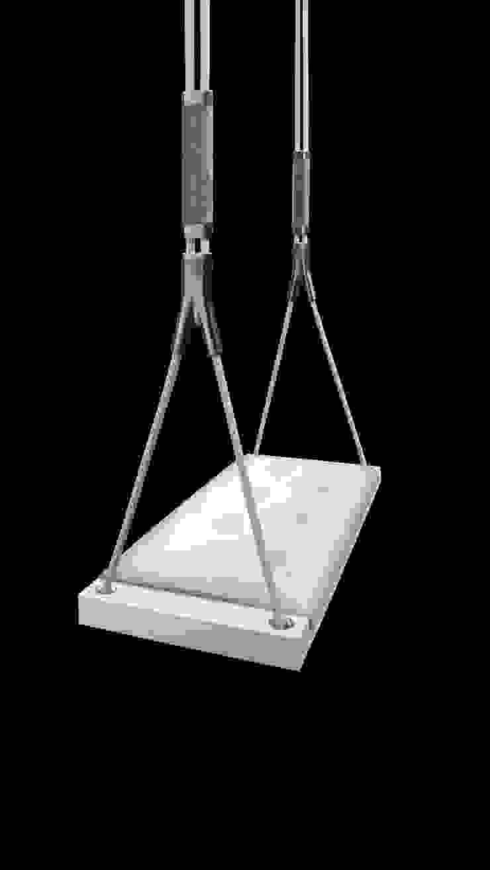 Svvving Chairs: modern  by Svvving, Modern
