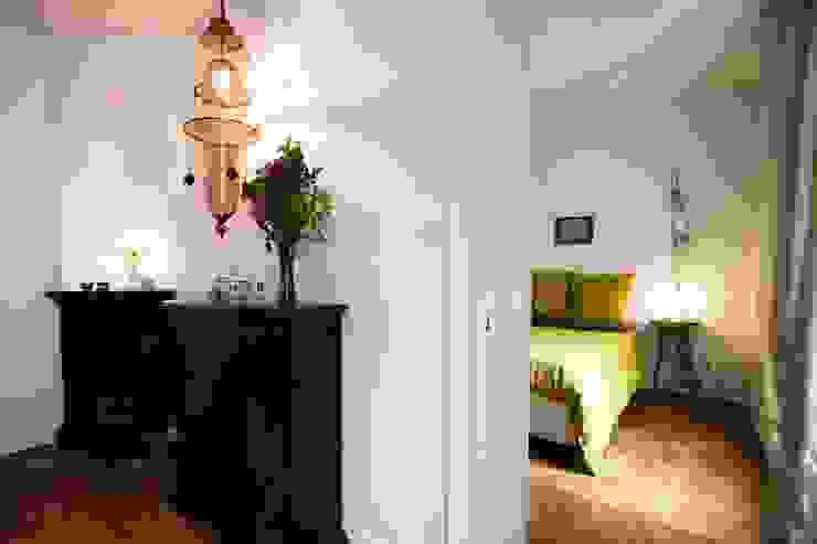 Vista di salotto e camera, dopo il restauro di Chiara Pecorelli