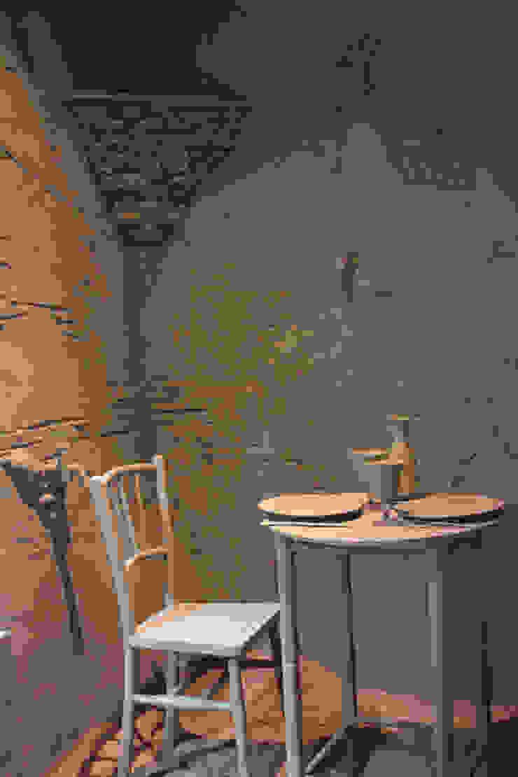 Recepción en verde Gastronomía de estilo mediterráneo de ALBERT SALVIA dissenyador d'interiors Mediterráneo