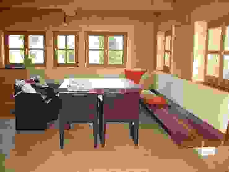 Wohnhaus am Ölbergring / Energetische Sanierung im Mangfalltal: modern  von architekturbuero-utegoeschel.de,Modern