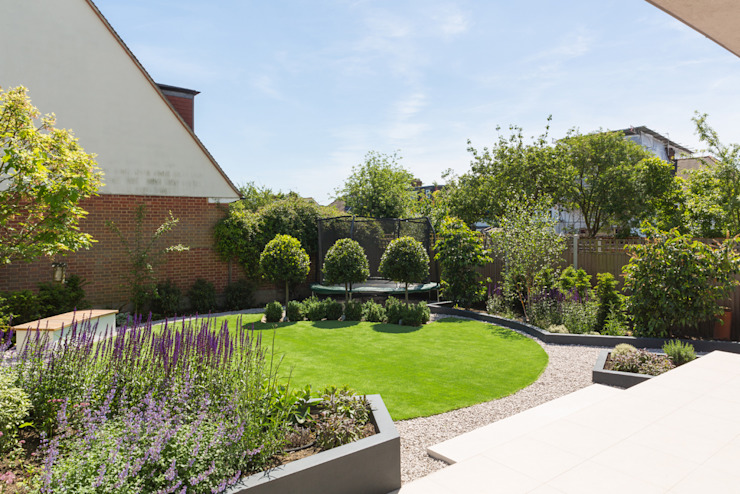 Broadgates Road SW18 Modern garden by BTL Property LTD Modern