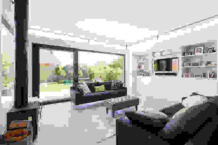 Broadgates Road SW18 BTL Property LTD Salones de estilo moderno