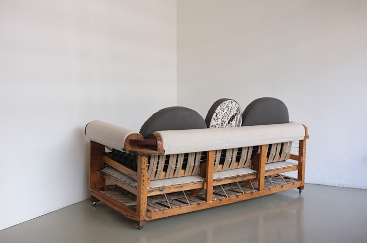 Baubau sofa _ back: eclectic  by Urban Upholstery, Eclectic