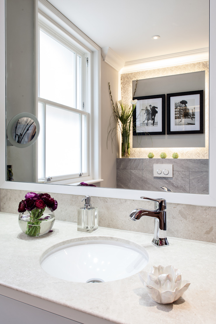 Photography for Kingshall Estates / Vastu Interiors—House in Northwood, London Modern style bathrooms by Adelina Iliev Photography Modern