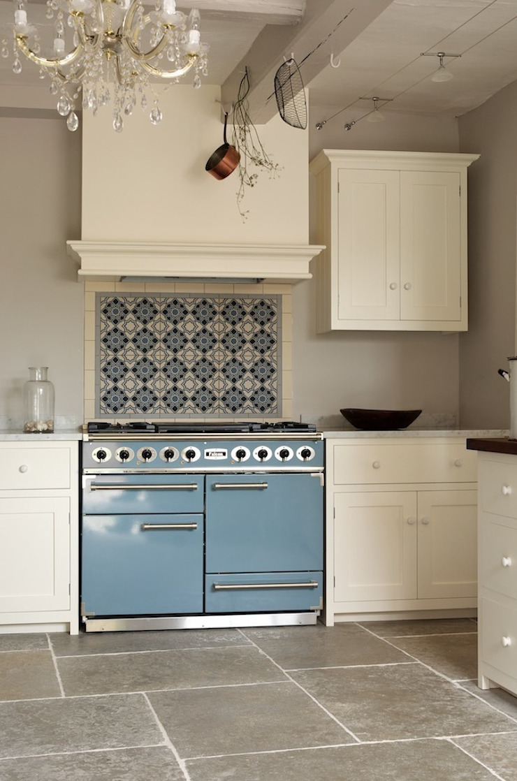 Umbrian Limestone with Linen deVOL Kitchen Modern kitchen by Floors of Stone Ltd Modern
