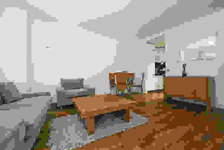 Portfolio Modern living room by TFS Flooring Modern