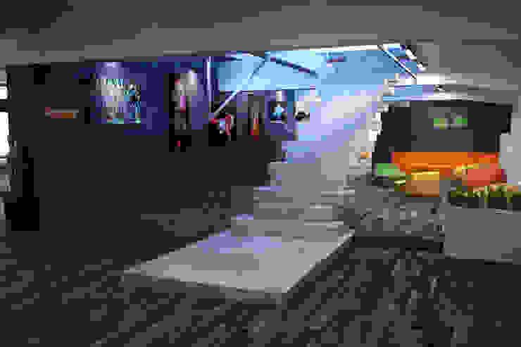 ОФИС IT КОМПАНИИ (ЧЕХИЯ) Офисные помещения в стиле минимализм от Мастерская Grynevich Dmitriy Минимализм