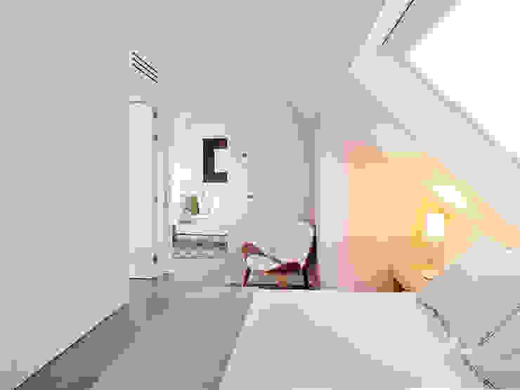 Dormitorios modernos: Ideas, imágenes y decoración de Tarimas de Autor Moderno
