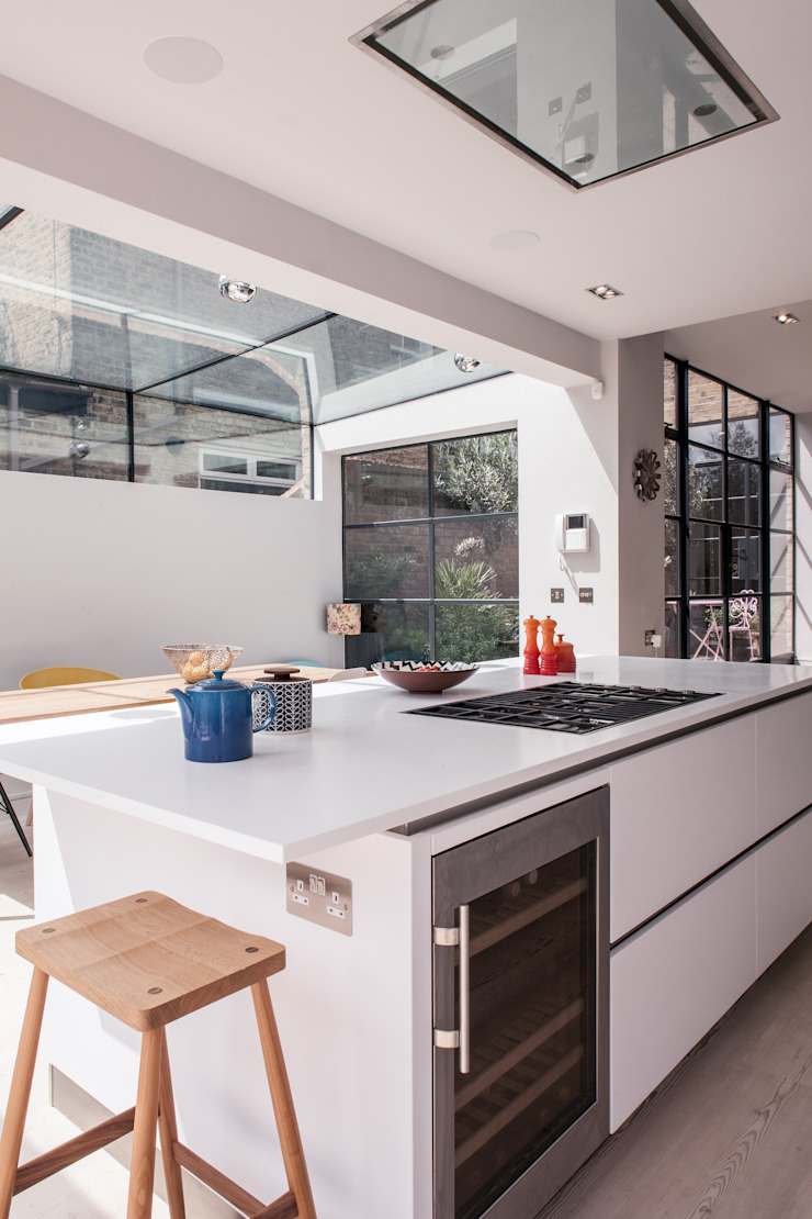 Photography for Red Squirrel Architects—House extension, South London Modern kitchen by Adelina Iliev Photography Modern