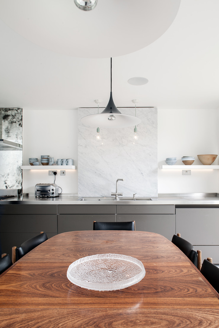 Photography for Trevor Brown Architect—House in North London Modern kitchen by Adelina Iliev Photography Modern
