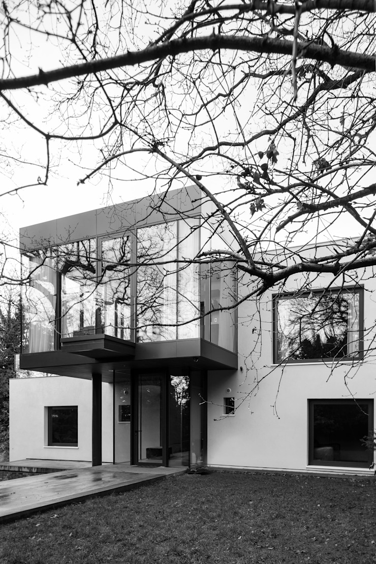 Photography—house in Bromley, private client Minimalist house by Adelina Iliev Photography Minimalist