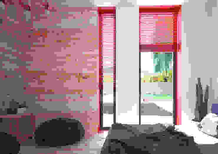 Minimal Apartment BR Спальня в стиле минимализм от Grynevich Architects Минимализм