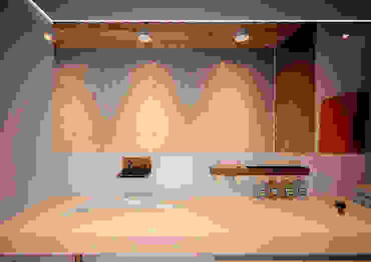 Minimal Apartment BR Ванная комната в стиле минимализм от Grynevich Architects Минимализм