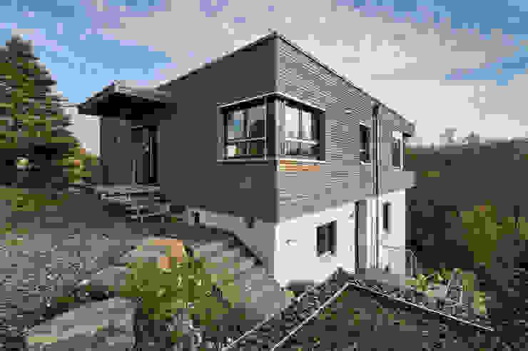 Nord-West-Ansicht Moderne Häuser von Natürlich Architektur Modern