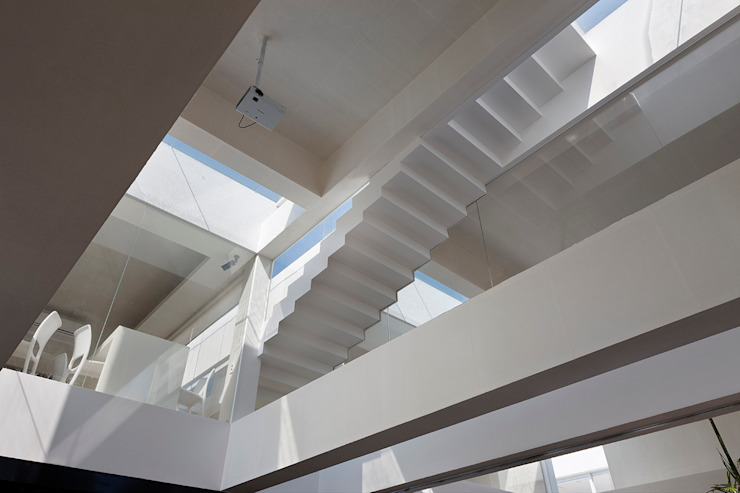 hyunjoonyoo architects Modern Corridor, Hallway and Staircase
