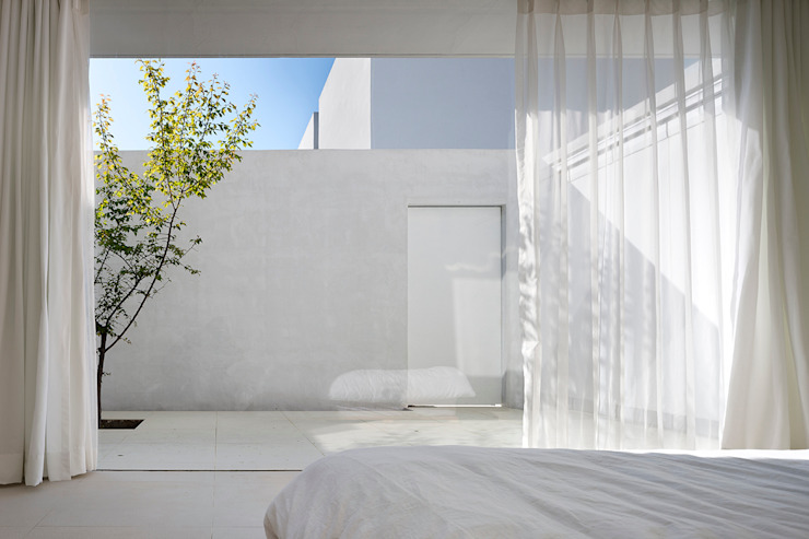 Bedroom by hyunjoonyoo architects,