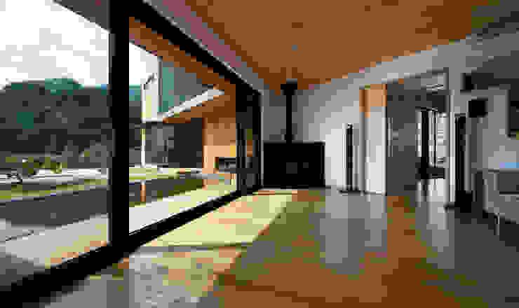 hyunjoonyoo architects Soggiorno moderno