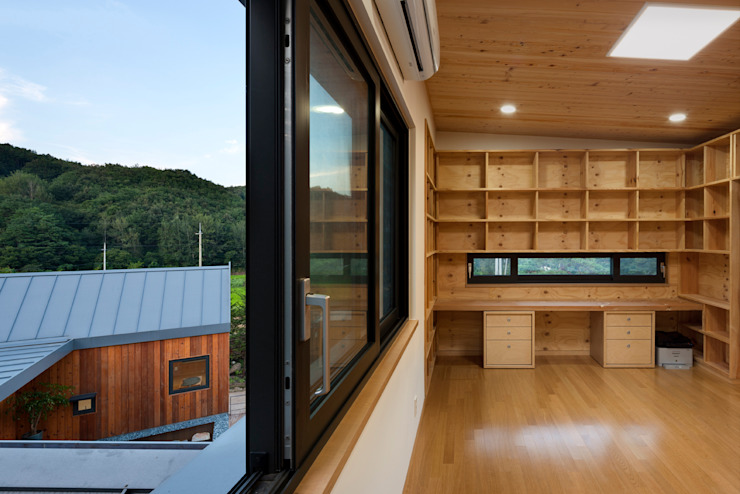 Ssangdalri House 모던스타일 서재 / 사무실 by hyunjoonyoo architects 모던