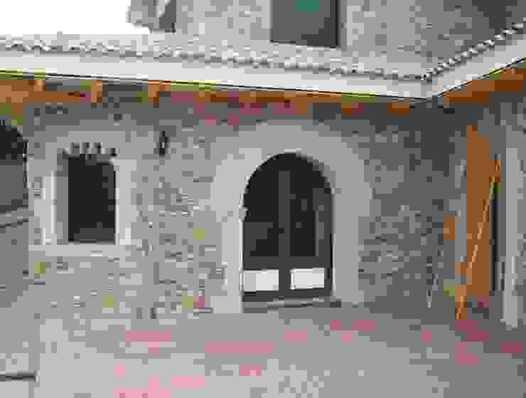 Mediterranean style windows & doors by James Rossell Mediterranean