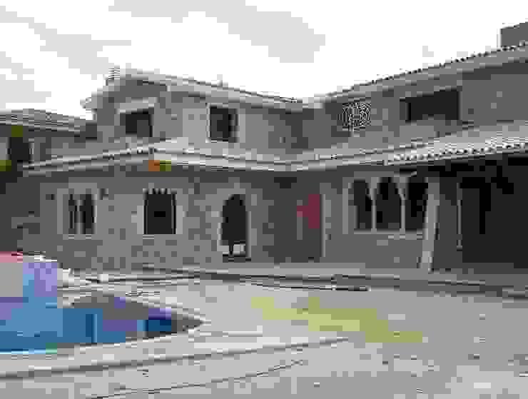 Fachada principal. 2005 Casas de estilo mediterráneo de James Rossell Mediterráneo